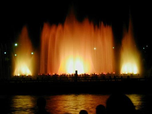 Поющий фонтан.jpg (530x397, 18Kb)