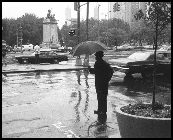 asort-Man_in_Rain.jpg (576x468, 76Kb)