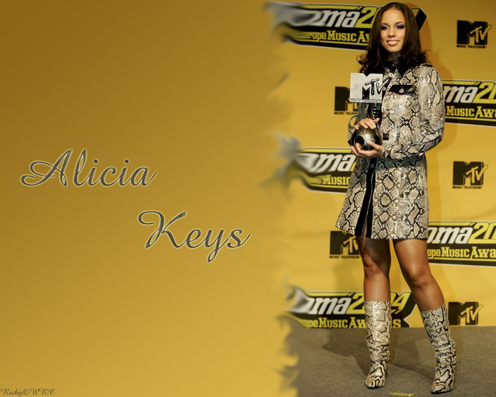 Alicia%20Keys%207.jpg (700x560, 136Kb)