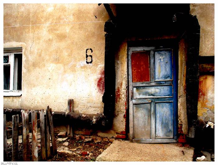 Таруса_город голубых дверей.jpg (700x531, 115Kb)