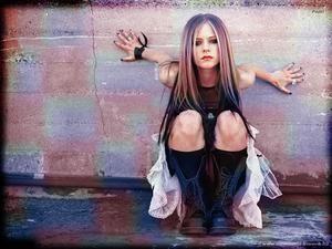 183249_Lavigne.jpg (300x225, 16Kb)