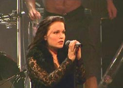 Nightwish%20-%20From%20Wishes%20to%20Eternity%20Live%20(2001)%2004.jpg (253x180, 15Kb)