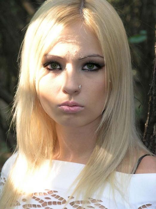 fotografii-pohozhih-blondinok