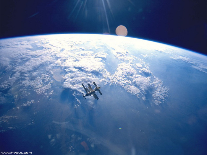space_016.jpg (700x525, 95Kb)