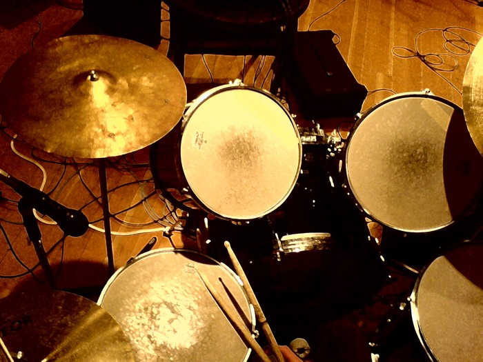 Drums.jpg (700x525, 103Kb)