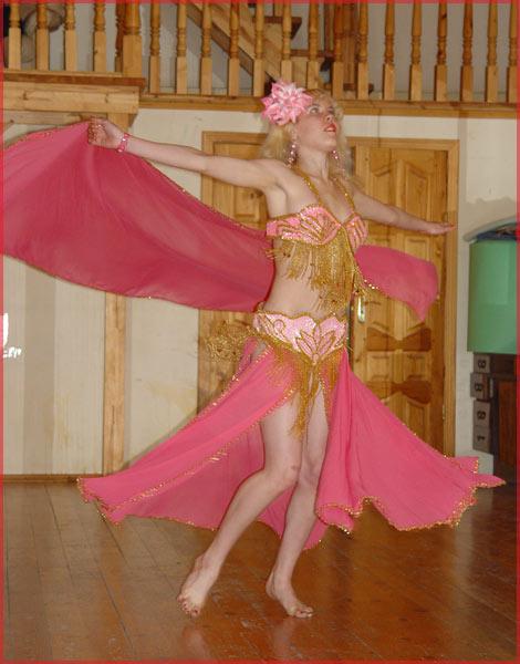 Спонсор конкурса.  Карина-Барби.  Мисс Беллиданс 2006.