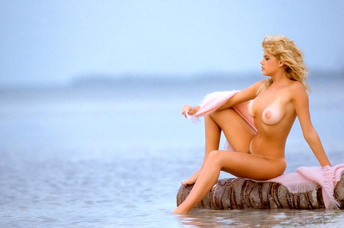 http://img.liveinternet.ru/images/attach/2/4859/4859984_20050721b_Pamela_Saunders.jpg
