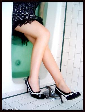3399920_3398954_How_Girls_Really_Do_Laundry_by_whorer_movie.jpg (300x394, 30Kb)