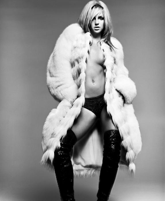 4490650_4091990_Britney_Spears_bs28.jpg (574x699, 177Kb)