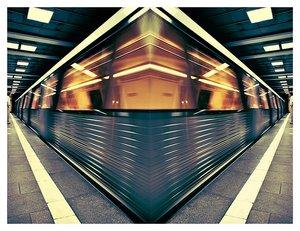 5063077_Parallel_Universe_by_nuozek.jpg (300x231, 25Kb)