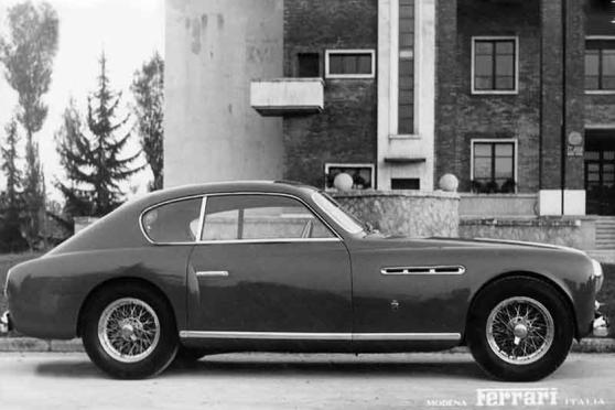 51_195_INTER_GHIA_COUPE_r_558x372.jpg (558x372, 33Kb)