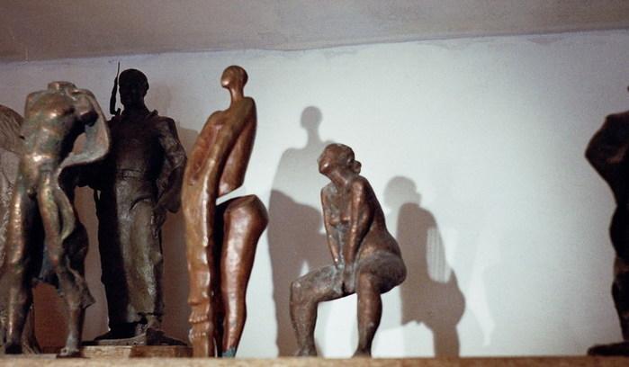 Полка со статуями.jpg (699x408, 61Kb)
