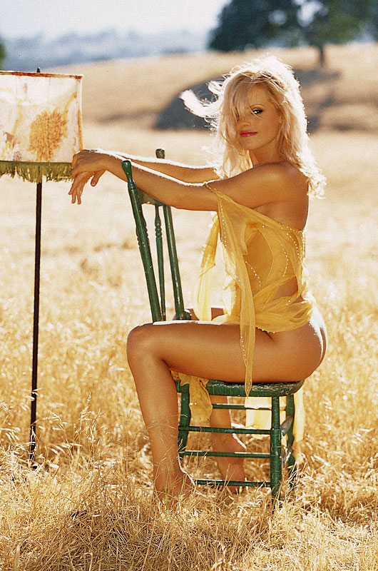 http://img.liveinternet.ru/images/attach/2/5573/5573794_cc_QueenOfTheJungle_03_Gena_Lee_Nolin.jpg