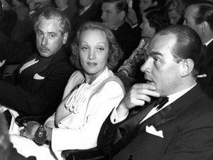 300px-Josef-von-Sternberg-Marlene-Dietrich-Erich-Maria-Remarque.jpg (300x225, 15Kb)