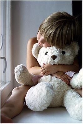 ребенок с мишкой.jpg (265x396, 39Kb)
