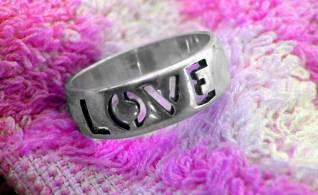LOVE.jpg (318x195, 12Kb)