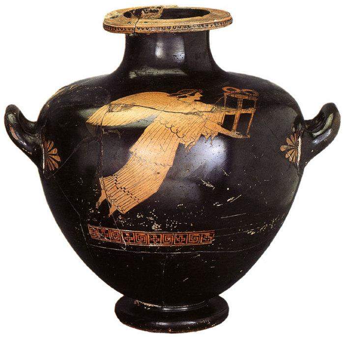 Ника с треножником.. 485-480 г. до н.э.jpg (700x686, 97Kb)