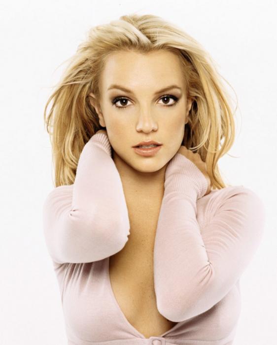 4091864_Britney_Spears_bs02.jpg (562x699, 218Kb)