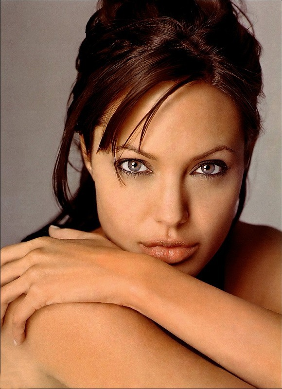 6172129_362279_Angelina20.jpg (580x800, 120Kb)