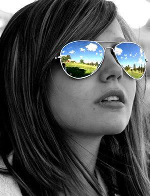 5212546_4676058_4350371_Her_world_by_Boeing747.jpg (300x391, 30Kb)
