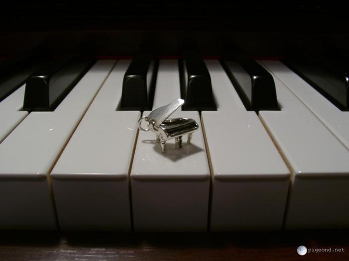 piano1-1024.jpg (700x525, 20Kb)
