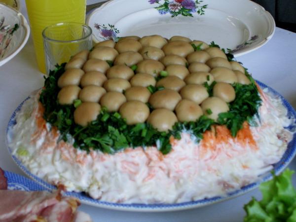 Украшение салатов и других блюд