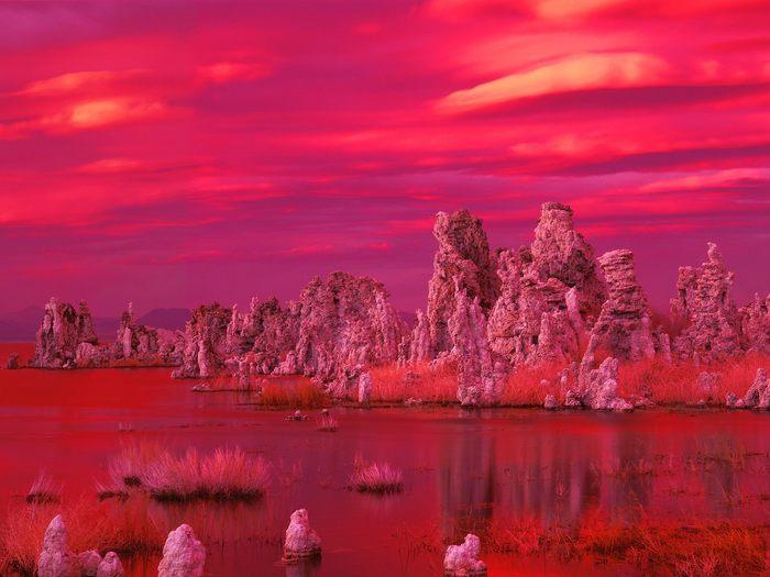 Tufa-Formations-at-Sunset_-Mono-Lake_-California.jpg (700x525, 53Kb)