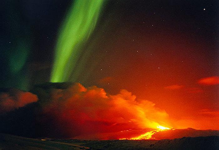http://img.liveinternet.ru/images/attach/3/9308/9308848_aurora_and_vulcano.jpg