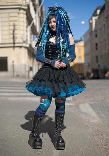 http://img.liveinternet.ru/images/attach/4/13199/13199363_Goth_girl.jpg