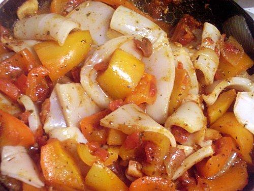 Кальмар тушеный с овощами рецепт с фото